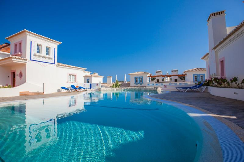 Spacious 2 Bedroom Linked Villa With Lovely Views To The Golf Course, Set In  An Idyllic Location For Those Wishing To Enjoy A Leisure Holiday In The  Western ...